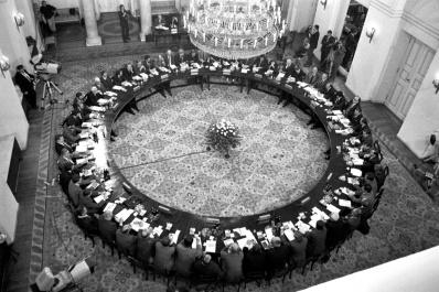Krzysztof Miller ©Agenzia Gazeta, Inaugurazione degli accordi della Tavola Rotonda. Varsavia, Palazzo presidenziale, 6 febbraio 1989.