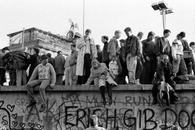 © ANNA BIALA/Gazeta Agency, Berlino 10.11.1989 Caduta del muro di Berlino Porta di BRANDENBURSKA