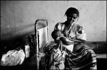 Ivo Saglietti - Malaria in Africa - 2000