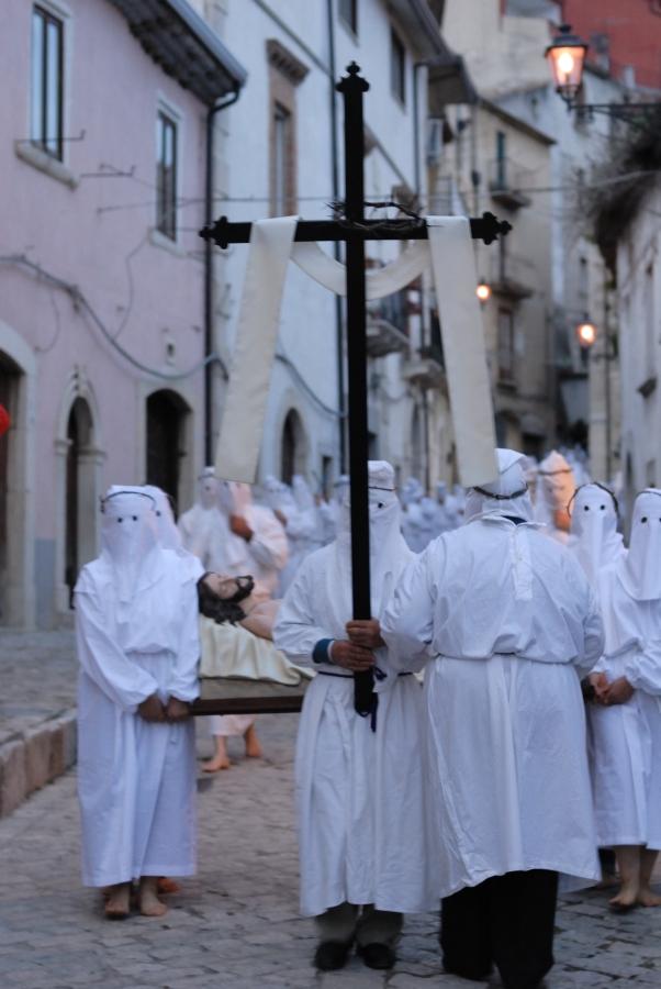 La processione penitenziale del Venerdì Santo - per le strade del centro storico